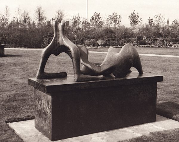 Henry Moore Reclining Figure 1960