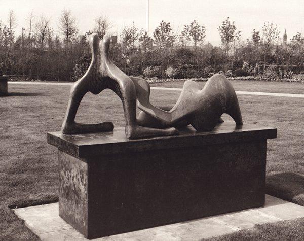 Henry Moore Reclining Figure 1960